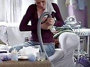 Martina Hill laesst sich ihre Titten leersaugen