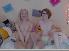 Lesbi couple being cute on cam