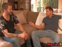 Un hombre casado en la primera cogida culo gays parte6