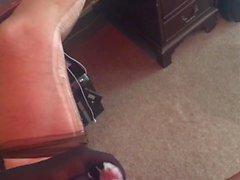 Il mio amico mi dà una sega elegante in nylon smagliate