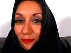 Árabe de Milf Persia Monir es tímida para aplastar Hacer una pornografía