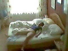 Hidden cam a camera con letto dei mia madre colto lei masturbazione