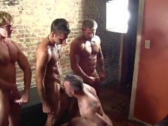 Nude Festa Stripper, Parte 2