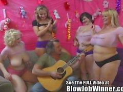Riesige tittied Samantha 38G und Freunde deepthroat Fan