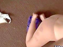 Strumpfhosen Teen Babe Ansaugen eines harten Schwanz