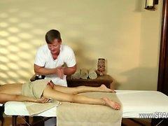 Lyxig breasty tjejer i hemlighet massage- salongs