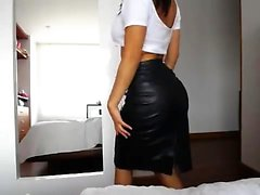 Kinzie shows you solo action with toys BJ and fuck
