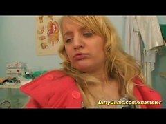 Милый подросток трахал в нашей грязной клинике
