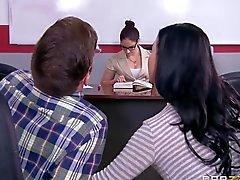 Pussy ile memeli sınavı cheat maruz kalan