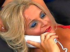 Горячие зрелая блондинку пума Хло - Totti