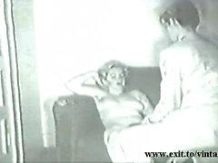 Отсутствует звук : Старинные 1929 Белый Housewife прельщает торговца