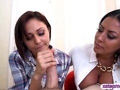 Kiara Mia and Ariana Marie nasty threesome session