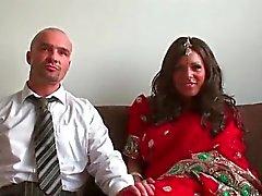 Divertimento ragazza indiana viene batté part5