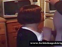 Britannici Upskirt Collant pervertono utilizza il Leena signora cena a timido
