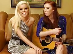 Halle Von & Taylor - Hot Chicks with Guitars (Casting Couch)