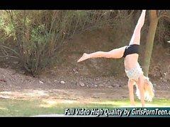 nude yoga girls rasierte muschi