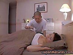 Bigtit Madura del miki de Sato masturbándose en la Casa Rural por 2 de por el japanmatures