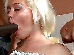 Geilen blonde Schlampe Whitney Gnade DP- durch schwarze Schwänze Pochen