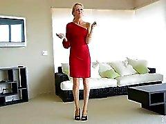 Emily bela loira sexy se masturba