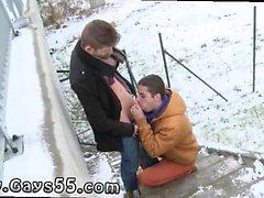 Для мальчиков показывая член на людях геев Два Sexy ханка Трахают открытом воздухе