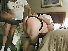 Kötü spanking büyük bir eşek büyük ve memeleri