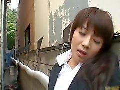 Расстроенный Японские куклы мастурбирует часть2