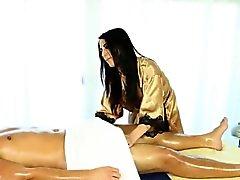 Masaggiatriche caldi pompa il cazzo