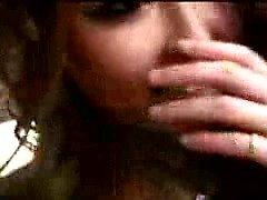 Attraktive Oriental Babe in Strumpfhosen nimmt einen steifen Stab in