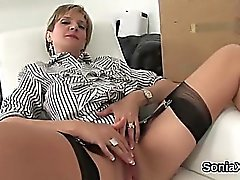 Unfaithful uk mature lady sonia flashes her large boobies