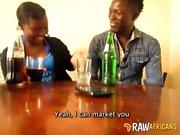 Nigerianska flickvän runkar big dick