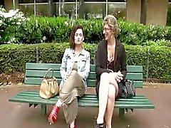 Franse dame en een brunette geneukt door een gelukkige kerel
