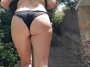 Culona en bikini
