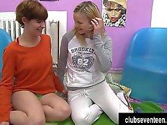 Anni dell'adolescenza lesbiche viziosa leccare pussies