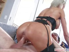 Emma Starr ama a los dicks duros