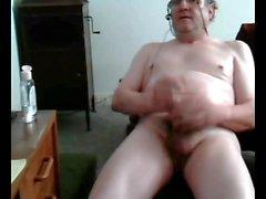 Grand-père cum sur cam