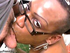 Transpersoner i glasögon plånböcker big black åsnan och deepthroats kuk