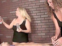 Grossi seni femdom masseuse duos il cazzo divertenti battendosi