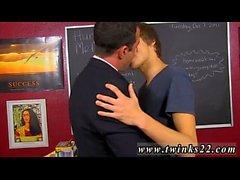 Hommes serbes homosexuels baisant des hommes dans le cul Blake Allen ne peut pas se permettre de perdre
