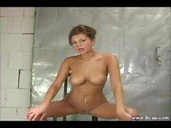 Dicke Titten Amy Reid Fingern ihre Muschi