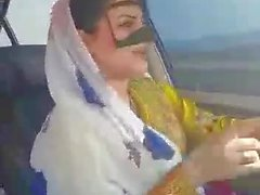 Irã sexy hijab milf dançando na cidade carro-Ahvaz
