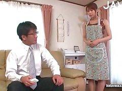 Asian Baby macht sich mit ihrem Kerl