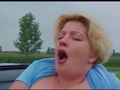Pissing handling, bbw flicka, pissa från att köra bil fönster