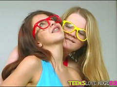 Two cuties in 3D glasses fucked on turns