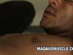 Di Douglas di master e Matheus di Axell - Muscular Valutare i