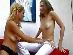 Кормящие Лесбиянки