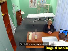 Babe dall'ospedale procace pussypounded dal dottor