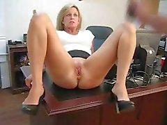 Reife Blondine Sekretärin Anal