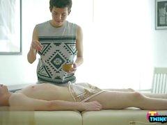 Ragazzi russi senza preservativo con sborrate facciali