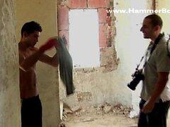 Вернуться сцена цыганский С. блондин Аттилой Гуре и Фабьеном Rossi с Hammerboys телевизором