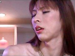 Trans Asiático de obtiene gallo complacida